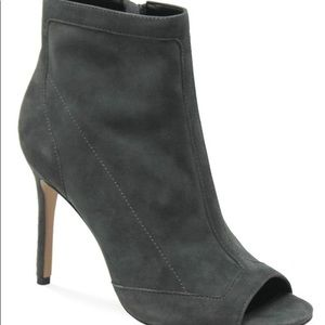 NWT Charles David Courter Charcoal Suede bootie
